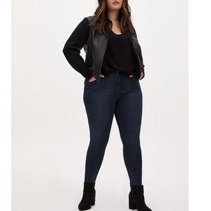Torrid Skinny Jeans Dark Wash Jegging High Rise 24